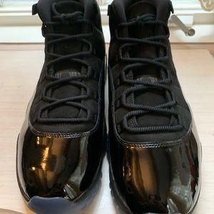 Nike Air Jordan 11 - Cap and Gown - size 13